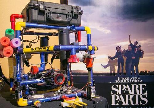 Immigrants who won robotics competition